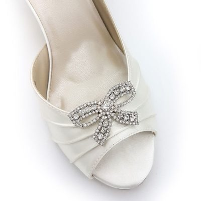 e0d067893dc3 Shoe Clips - Adding a touch of elegance   detail to your shoes.