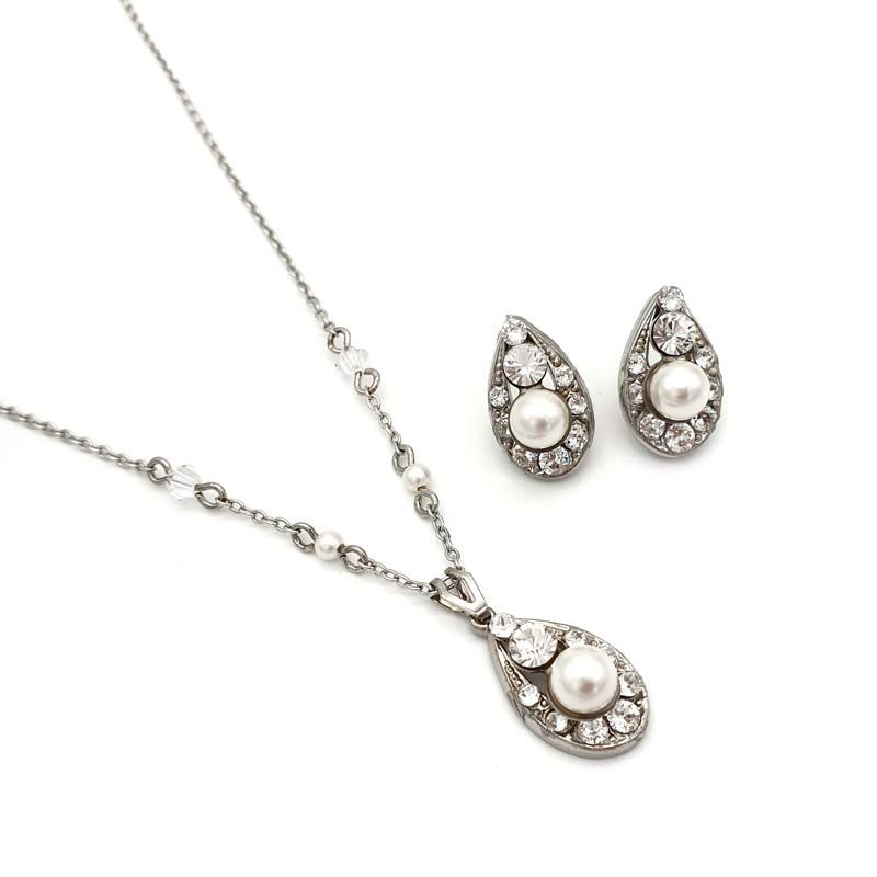 Swarovski crystal and pearl pendant necklace set