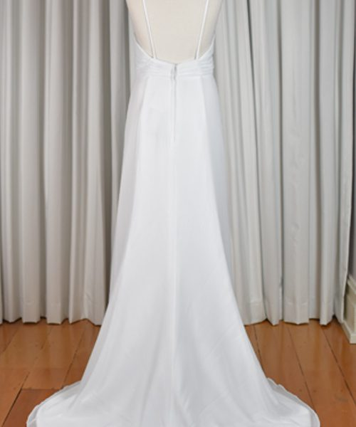 white chiffon wedding dress