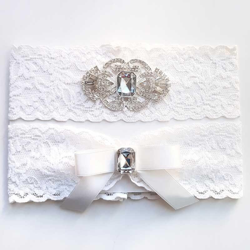white lace bridal garter set