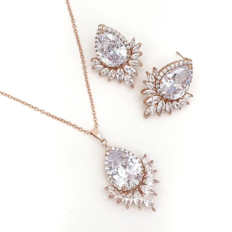 Rose gold pendant necklace set