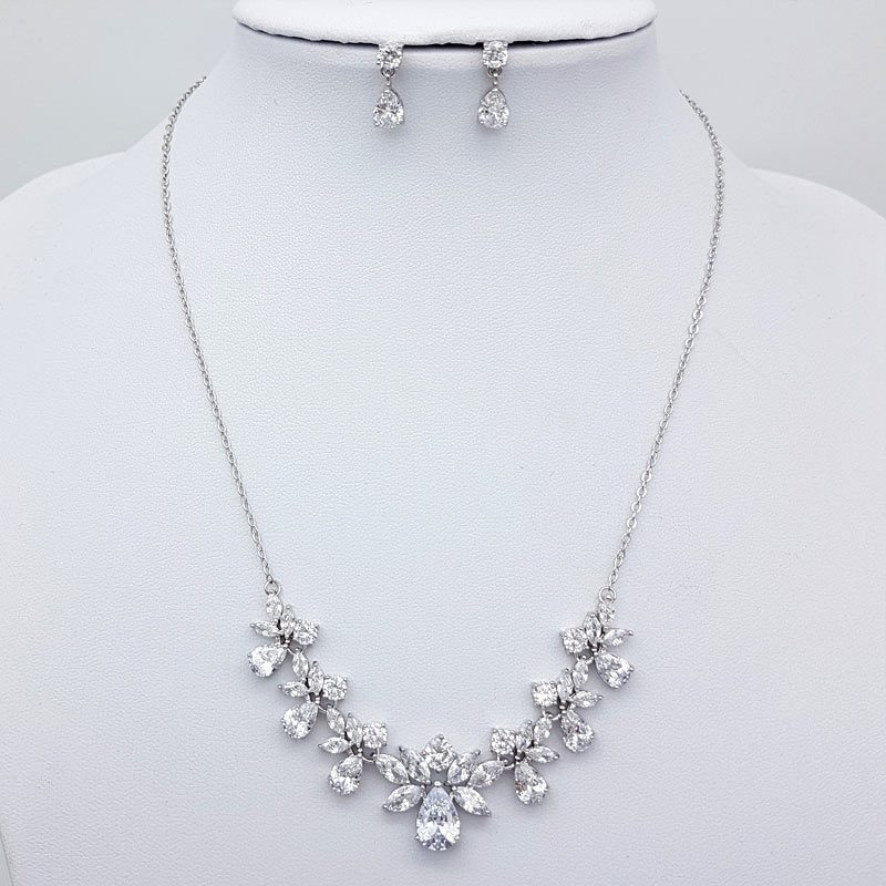gorgeous silver necklace chain