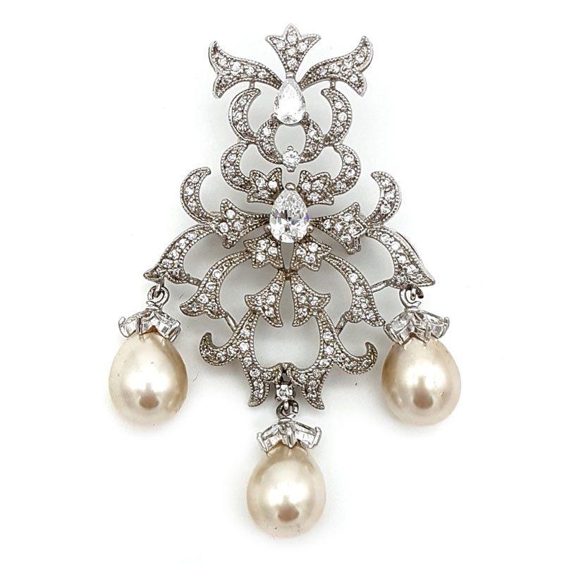 gorgeous vintage pearl brooch
