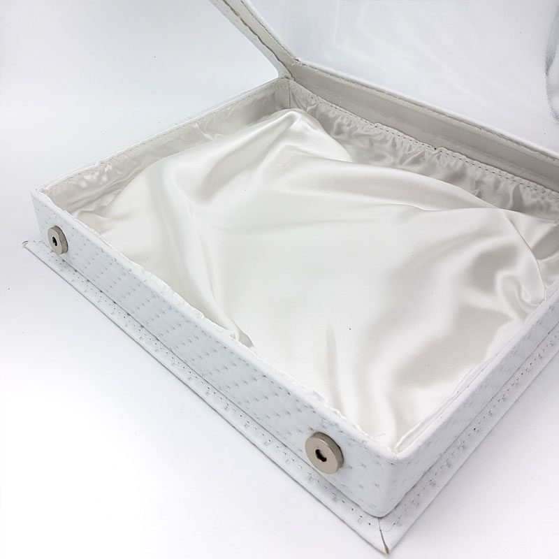white quilted leather stefanothiki box