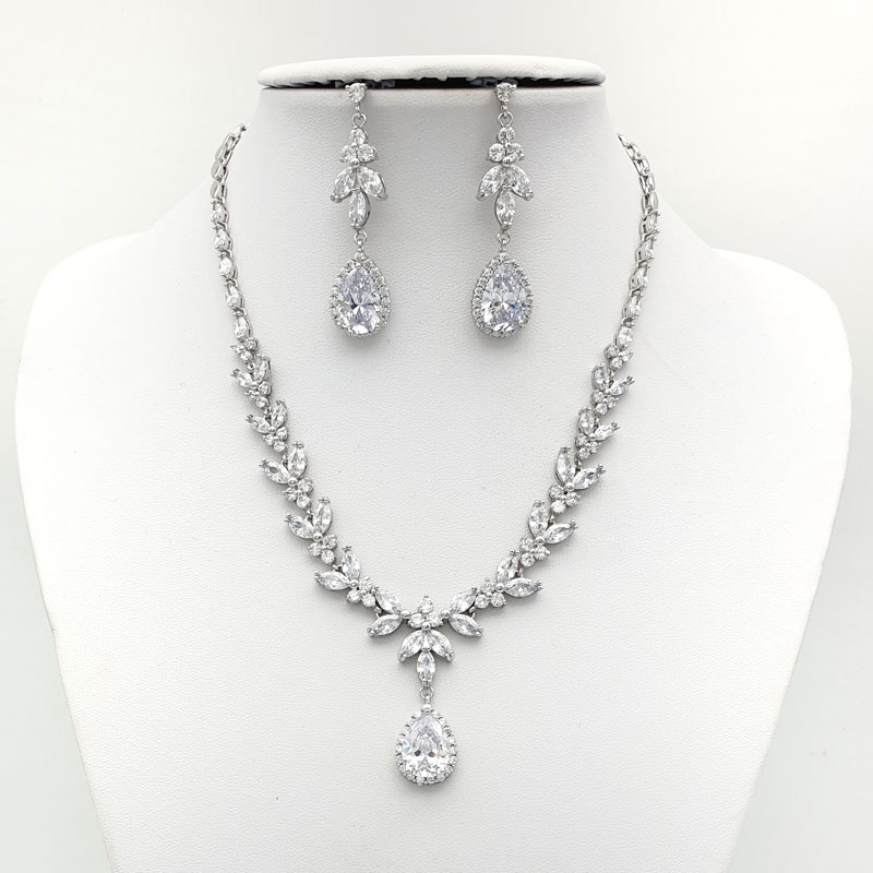 Silver drop necklace set