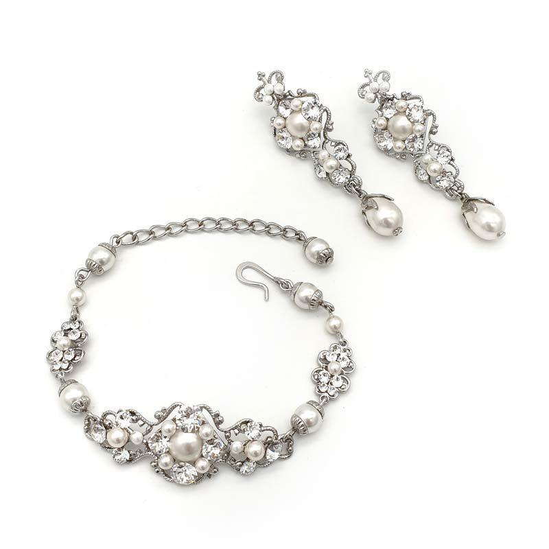 Swarovski pearl and crystal bridal earrings and bracelet set