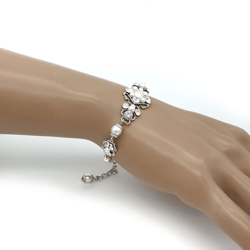 Swarovski pealr and crystal bracelet