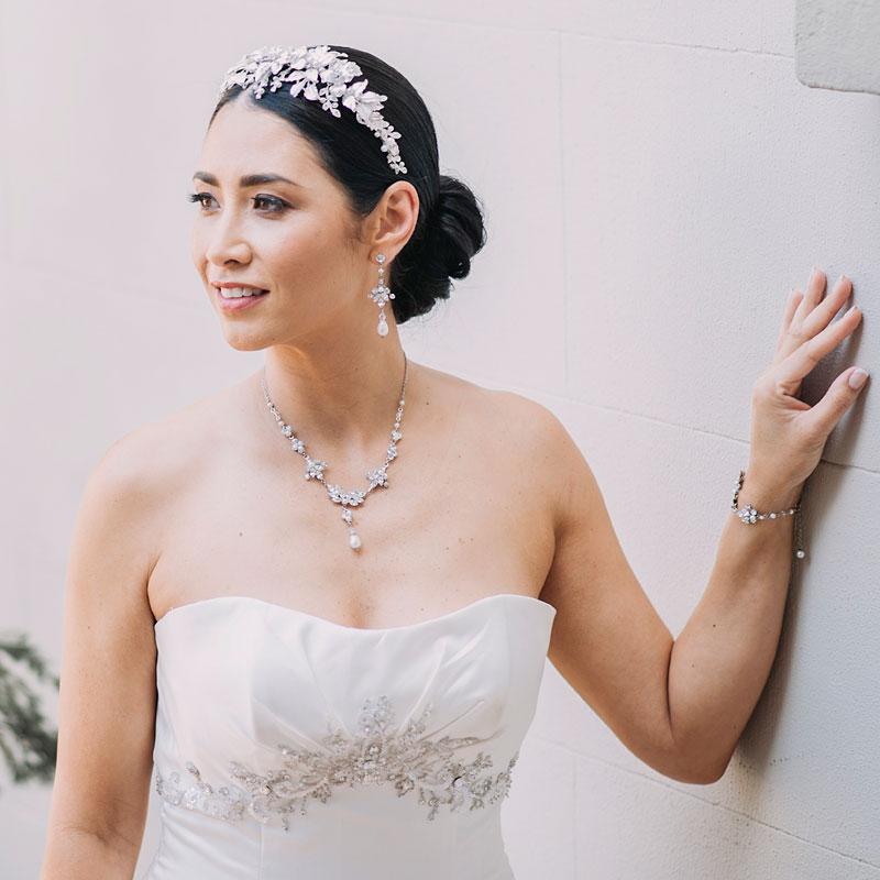 Pearl bespoke bridal necklace set