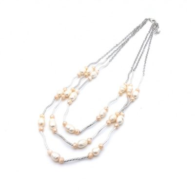 Fresh water pearl layered necklace