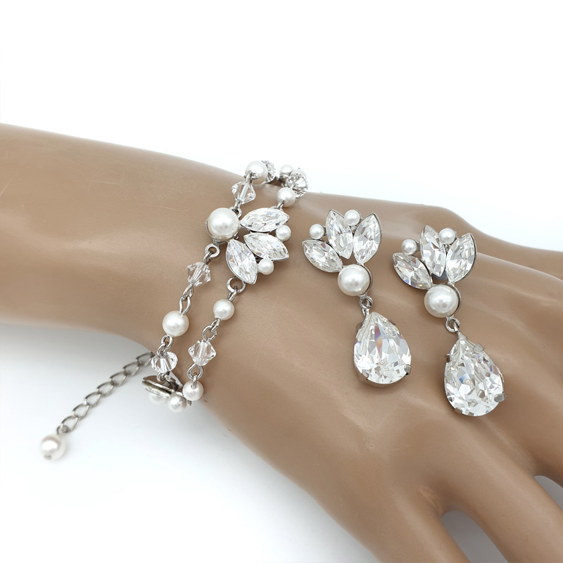 Crystal and pearl bracelet and earrings set