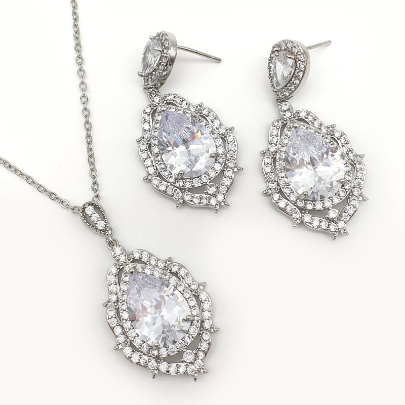 Silver statement pendant necklace set