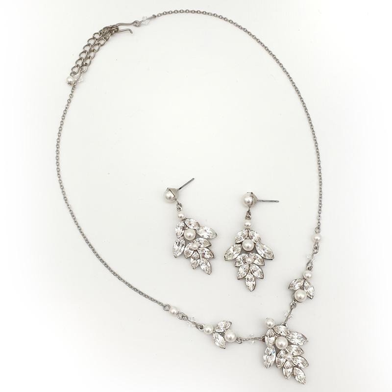 Swarovski pearl and crystal bespoke bridal necklace set